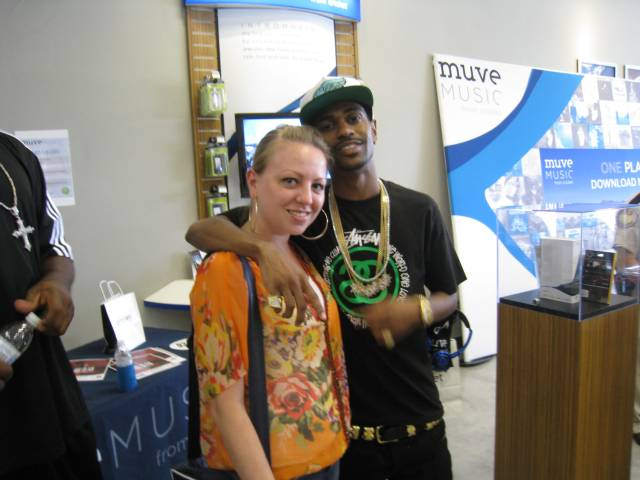 Me & Big Sean - yes, I know I look like crap, but it was a long, hot day so give me a break!
