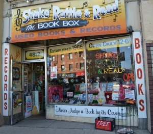 shake rattle and read book box uptown chicago