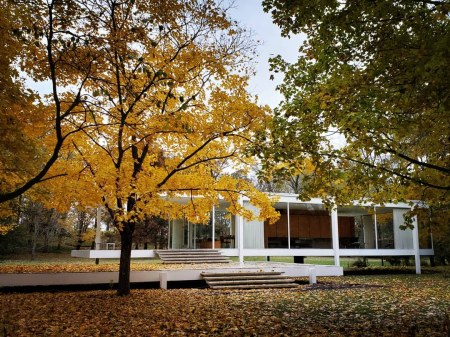 mies van der rohe farnsworth house plano illinois